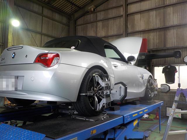 BMW Z4 四輪アライメント作業